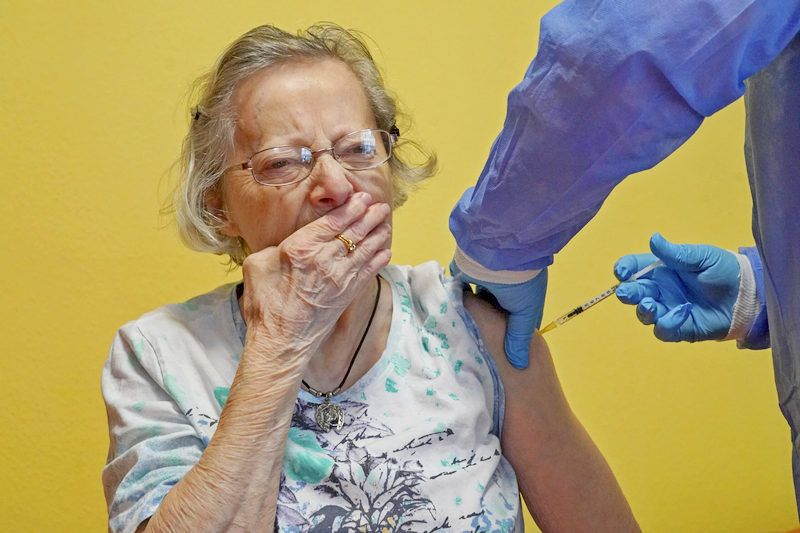 Biden to MANDATE Vaccines for Federal Employees and Contractors